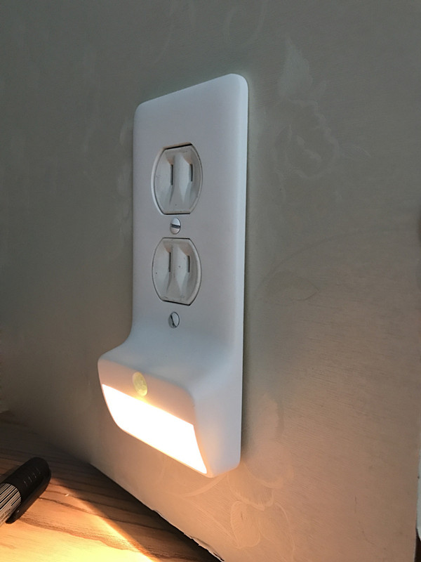 Et 100 led night light wall plates vst motion sensor and light sensor wall plate led night light aloadofball Image collections